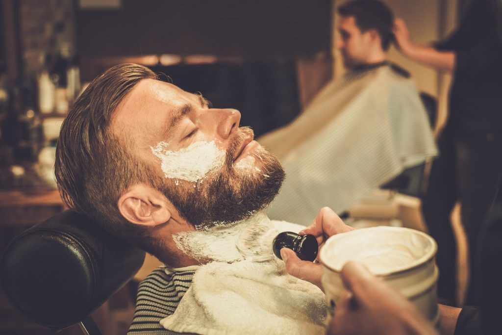 apply-beard-shaving-brush